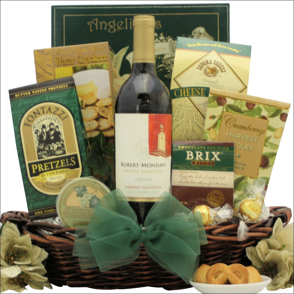 Wine festive holiday gift basket
